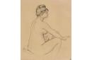 Femme nue assise, de profil à droite, s'essuyant le bras