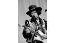 Jimi Hendrix, guitariste et chanteur américain.