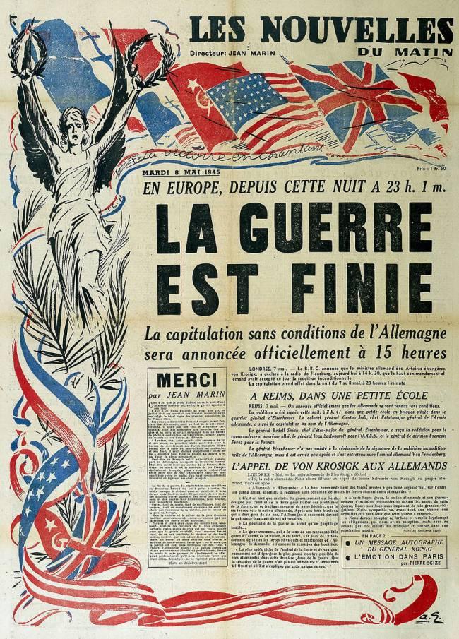 """La guerre est finie..."""", page de titre des """"Nouvelles du matin"""", 8 mai 1945  de anonyme - Reproduction d'art haut de gamme"""