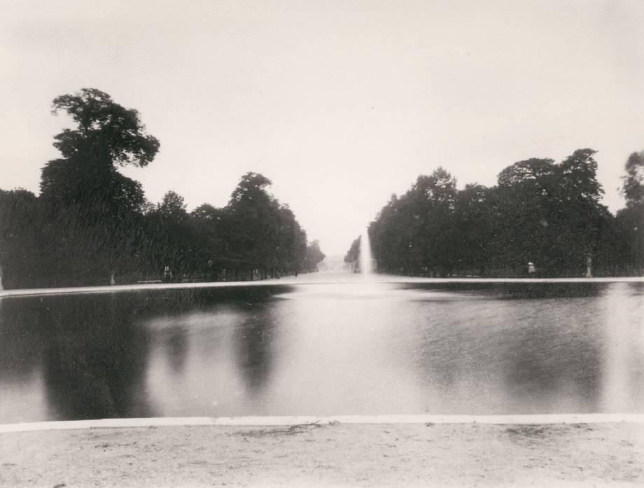 Jardin des tuileries de eug ne atget reproduction d 39 art for Art jardin neufchateau