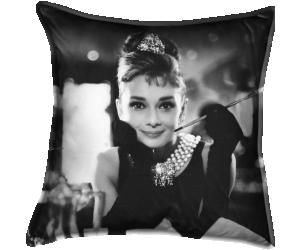 Audrey Hepburn / Breakfast at Tiffany's 1961 réalisé par Blake Edwards (Anonyme) - Muzeo.com