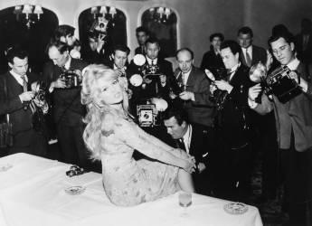 1959, LONDON, BRIGITTE BARDOT (Keystone) - Muzeo.com