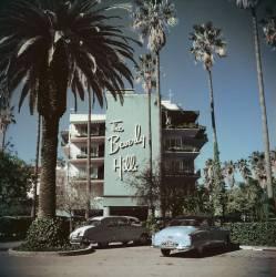 Beverly Hills Hotel (Slim Aarons) - Muzeo.com