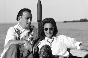 Cadaques : Salvador Dali chez lui, avec sa femme (Giancarlo Botti) - Muzeo.com