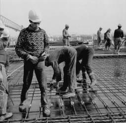 Construction de la Tour Montparnasse à Paris - Septembre 1971 (Gérald Bloncourt) - Muzeo.com