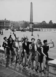 FIFTIES,PARIS,MISS FRANCE PARTICIPANTS AT CONCORDE PLACE (KEYSTONE) - Muzeo.com