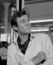 Jean-Paul Belmondo- Mai 1960 (Gérald Bloncourt) - Muzeo.com