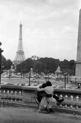 LES AMOUREUX DE LA PLACE DE LA CONCORDE 1967 (Keystone) - Muzeo.com