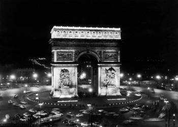Nouvel éclairage de l'Arc de Triomphe en 1964 (anonyme) - Muzeo.com