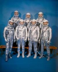Portrait des sept astronautes participant en avril 1959 au projet Mercury de la Nasa (Umberto anonyme) - Muzeo.com