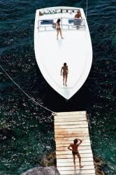 Speedboat Landing (Slim Aarons) - Muzeo.com