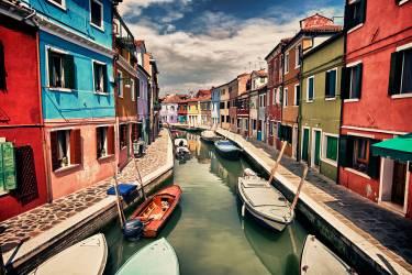 Bateaux sur le canal (Stulberg Scott) - Muzeo.com