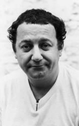 Coluche, humoriste et acteur français. (Jean-Pierre Couderc) - Muzeo.com