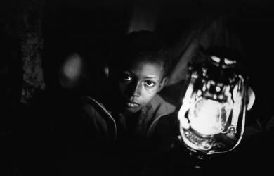 Enfant Rwandais (Howard Davies) - Muzeo.com