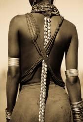 Ethiopie, Omo Delta - Jeune fille Dassanech (Warburton-Lee John) - Muzeo.com