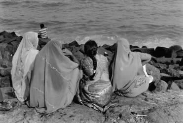 Femmes de dos en bord de mer (François Goudier) - Muzeo.com