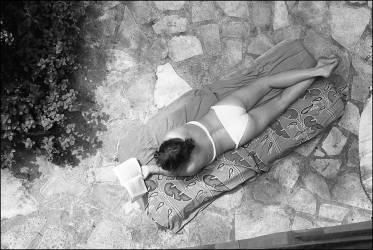 Jeune femme (Michel Sfez) - Muzeo.com