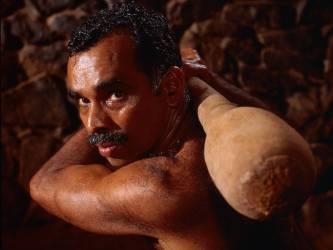 Les guerriers guérisseurs d'Inde (Hervé Bruhat) - Muzeo.com