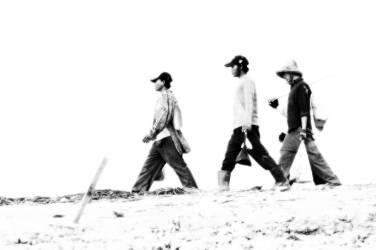 Les marcheurs – Cambodge (Chrystèle Lacène) - Muzeo.com