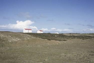 Maisons au toit rouge sur la plage de la pointe du But, Ile d'Yeu. (Siran Jerome) - Muzeo.com