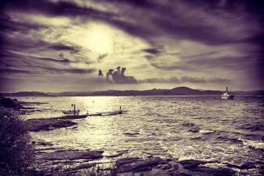 Paysage surréaliste mer agitée Ramatuelle Var 83 (Bacou Benoît) - Muzeo.com