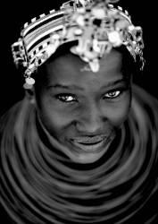 Samburu girl, Kenya (Eric Lafforgue) - Muzeo.com