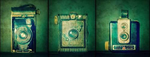 Vieux appareil photo (Benoît Bacou) - Muzeo.com