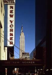 Vue de l'Empire State Building construit en 1930-31 depuis 34ème rue (anonyme) - Muzeo.com