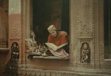 Un brahmane de Bénarès explique sa foi, Inde, 1926 (Jules Gervais-Courtellemont) - Muzeo.com