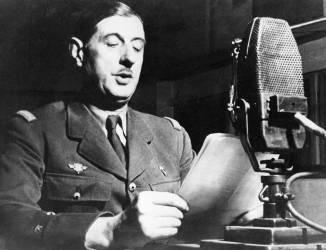 Appel du 18 juin 1940 : De Gaulle au micro (Anonyme) - Muzeo.com