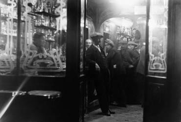 Café dans le quartier des Halles à Paris (Keystone) - Muzeo.com