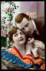 Couple avec fleurs - carte postale (Anonyme) - Muzeo.com