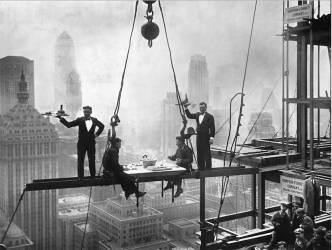 CURIOSITE EN 1930 : UN DINER DANS LA HAUTE SOCIETE (KEYSTONE-FRANCE) - Muzeo.com