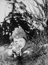 Février 1940, Suède : Une membre de