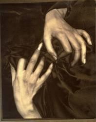 Georgia O'Keeffe : Portrait - Mains avec Dé à Coudre (Alfred Stieglitz) - Muzeo.com