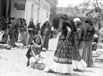 Jour de marché à Tehuantepec (Tina Modotti) - Muzeo.com