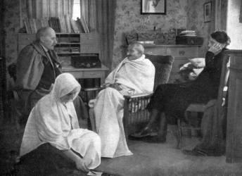 Mahatma Gandhi avec l''écrivain français Romain Rolland à Villeneuve, près de Montreux, en Suisse en 1932 (anonyme) - Muzeo.com