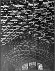 Maquettes d''avion décorant le plafond de l''Union Station (Jack Delano) - Muzeo.com