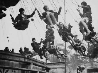 MARCH 28TH 1932, ENGLAND, HAMPSEAD HEATH FAIR (Keystone) - Muzeo.com