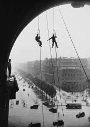 PARIS, TRIUMPHAL ARCH WORKS (Keystone) - Muzeo.com