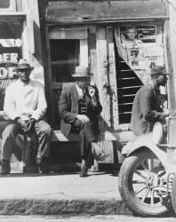 Vicksburg, Mississippi. Negroes (Walker Evans) - Muzeo.com