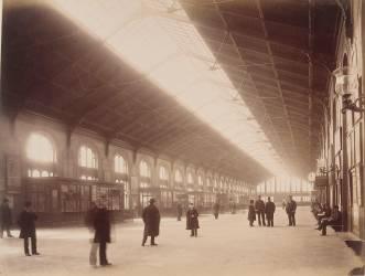 Gare Saint-Lazare : grande salle des Pas Perdus de la banlieue (Louis-Emile Durandelle) - Muzeo.com