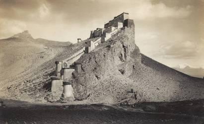 Kampa Dzong, Tibet, 1904 (John Claude White) - Muzeo.com