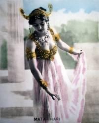 Mata Hari (1876-1917), danseuse et aventurière néerlandaise (Anonyme) - Muzeo.com