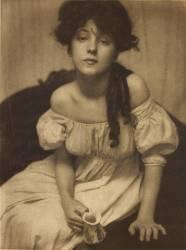 Portrait (Miss N.) (Gertrude Käsebier) - Muzeo.com