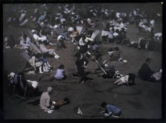 Sur la plage (John Cimon Warburg) - Muzeo.com