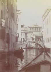 Venise, gondole et canal (Anonyme) - Muzeo.com