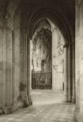 Vue du chœur de la Cathédrale d'Ely depuis l'aile sud (Frederick H. Evans) - Muzeo.com