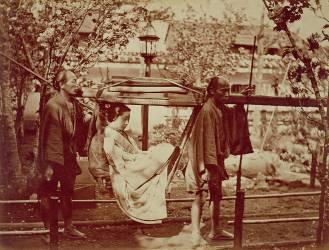 Une Geisha transportée dans une litière (Anonyme) - Muzeo.com