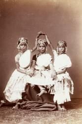 Danseuses (devadasis) de Madras (Anonyme) - Muzeo.com